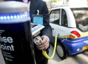Poste recarga vehículo eléctrico