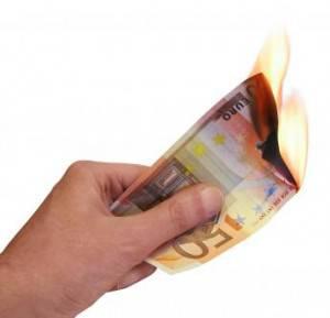 Billete de 50€ ardiendo