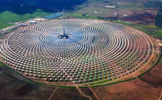 Gemasolar se convierte en la primera planta solar del mundo que puede operar 24h al día