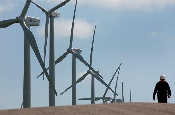 España ha seguido exportando electricidad en 2012