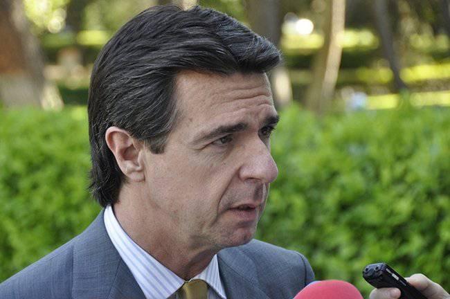 """Las próximas medidas contra el déficit de tarifa """"no van a gustar"""", según Soria"""