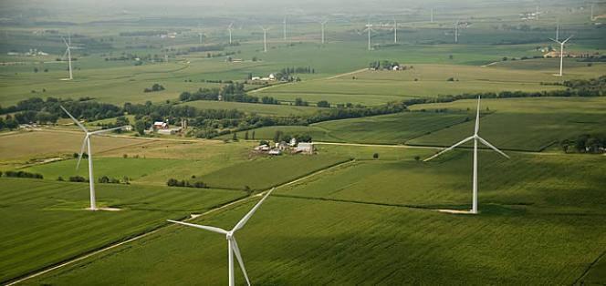 Las renovables podrían bajar el precio de la luz pero el sistema electrico actual no lo permite