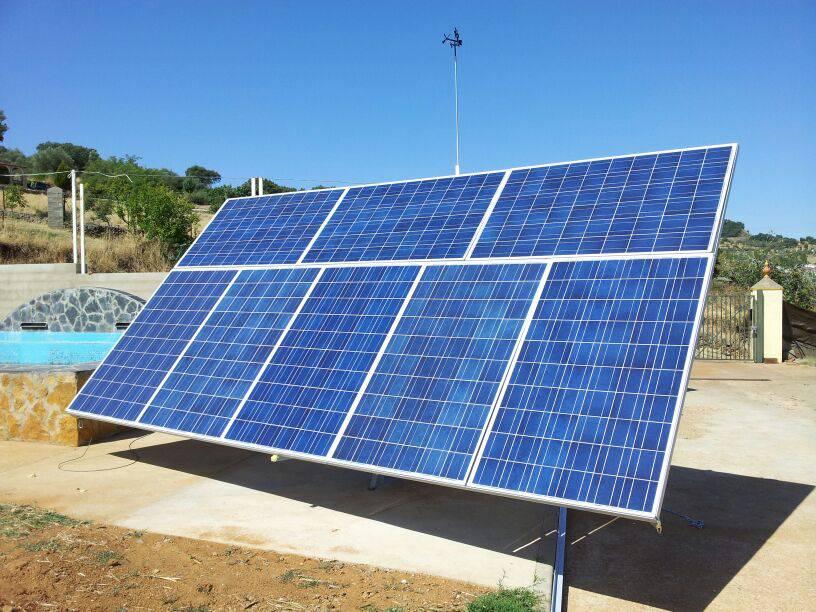 Instalación híbrida para autoconsumo parcial en Badajoz