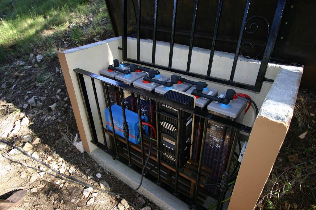 Instalación fotovoltaica aislada en Benifato, Alicante - efimarket