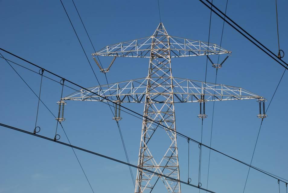 Se prorroga dos meses más la entrada en vigor de los nuevos precios electricos