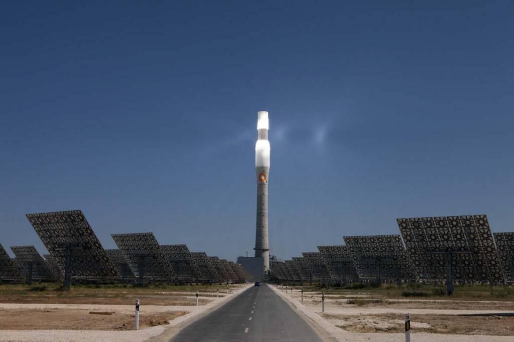 La energía solar produjo en abril más que el gas y que el carbón
