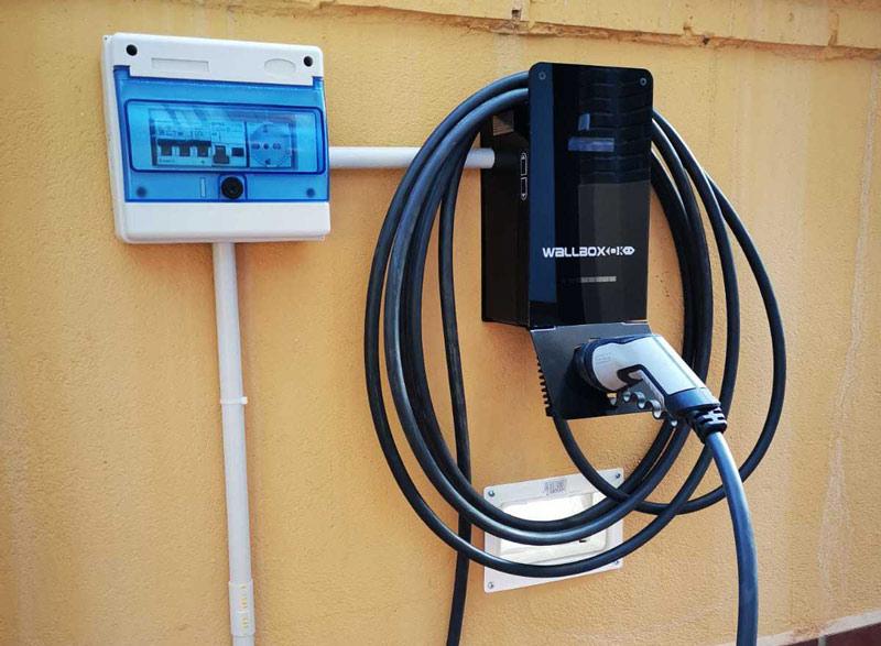 caja de protecciones vehiculo electrico