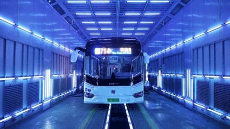 Luz ultravioleta germicida en vagones de metro y buses